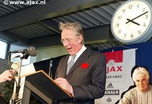 Met dank aan Sikora en de linksbuitens, volgend jaar Gerard Cox bij Ajax!