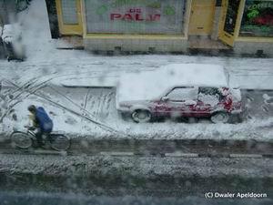 Sneeuw in Apeldoorn (1), klik voor groter. Foto: Hans (Dwaler)