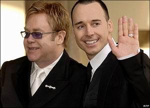 Elton John en David Furnish treden op woensdag 21 december met elkaar in het huwelijk