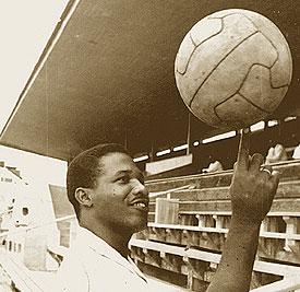 Ergilio Hato: Curacaose voetballegende!