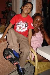 Luchiano showed trots zijn nieuwe rolschaatsschoenen