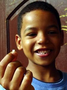 Op 15.01.2005 verloor Luchiano zijn eerste tand, bij Pleincafe Wilhelmina!
