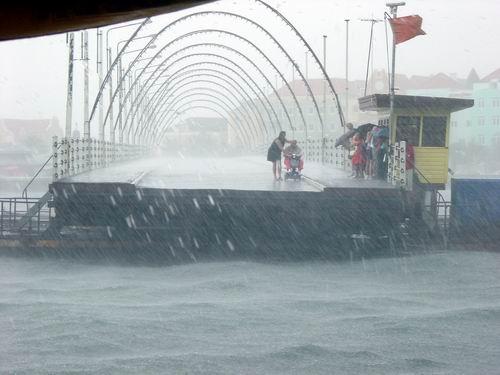 Tijdens de vakantie van Karen en Herman werd Curacao geteisterd door hevige regenbuien!