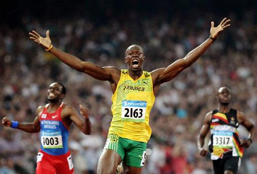 20.08.2008: Usain Bolt wint de 200 meter in Beijing in 19.30, Churandy Martina (19.82) en Wallace Spearmon (brons) worden gediskwalificeerd. Klik voor groter.