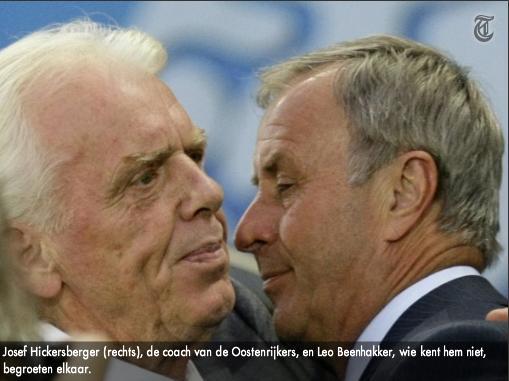 12.06.2008: Leo Beenhakker en Josef Hickersberger begroeten elkaar, er is nog geen sprake van diefstal. Klik voor groter.