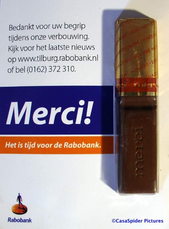 26.06.2008: CasaSpider is ietwat gulzig met de chocolade kadootjes van de Rabobank te Rijen. Klik voor groter.